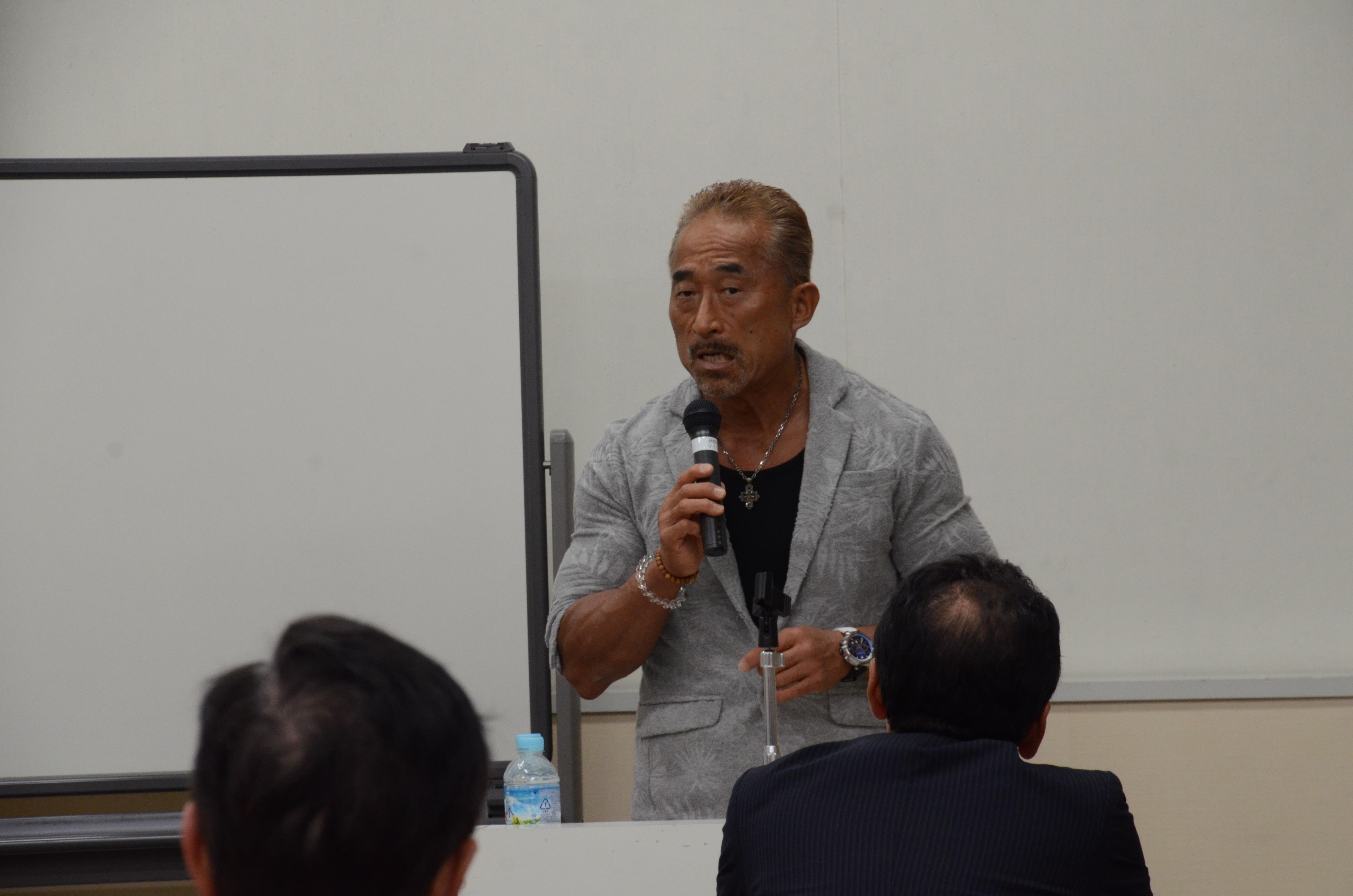 角田信朗氏が大阪府で講演